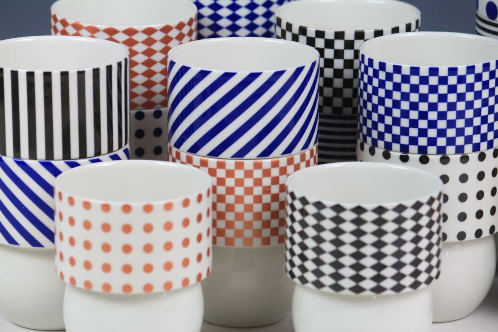 beker dots and stripes